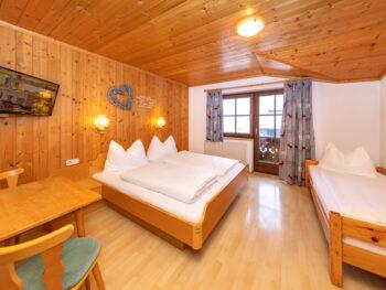 Zimmer | Pension Alpenrose - Maishofen