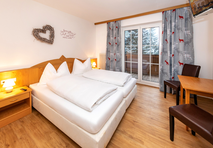 Room | Pension Alpenrose - Maishofen